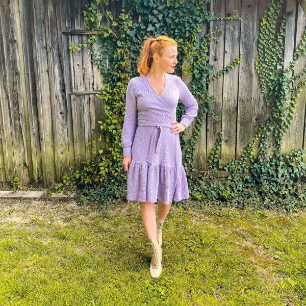 Zavinovacie mušelínové šaty Love Colors - pohľad zpredu