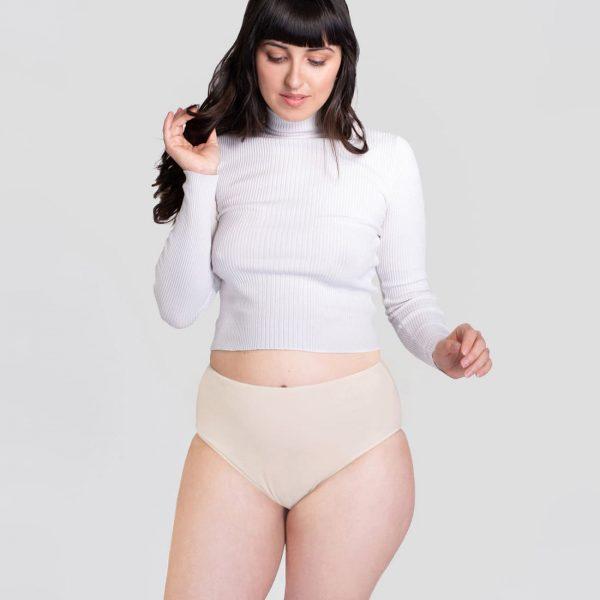 Nohavičky s vysokým pásom Créeme - pohľad na modelku zpredu