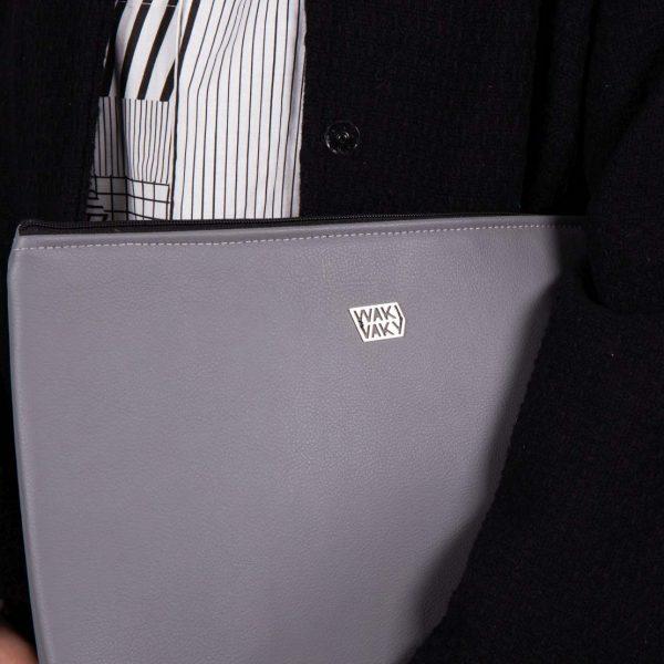 Detail na kabelku outfitu
