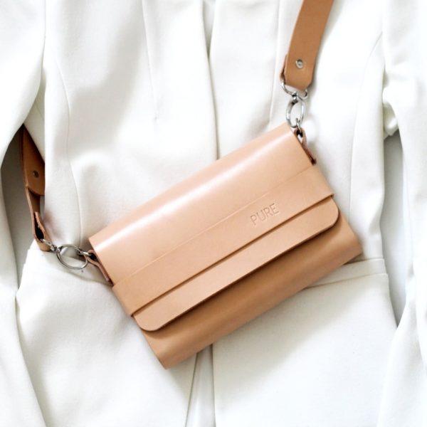 Béžová kožená crossbody kabelka s vymeniteľným popruhom