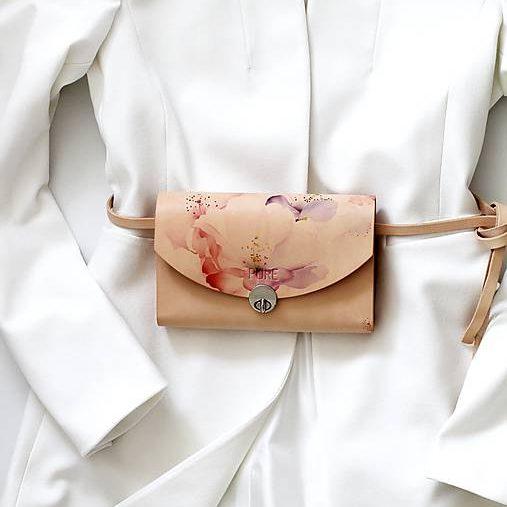 Béžová kabelka s ružami PURE s bielym sakom