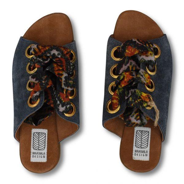 Modré šnurovacie sandále s farebnými stužkami