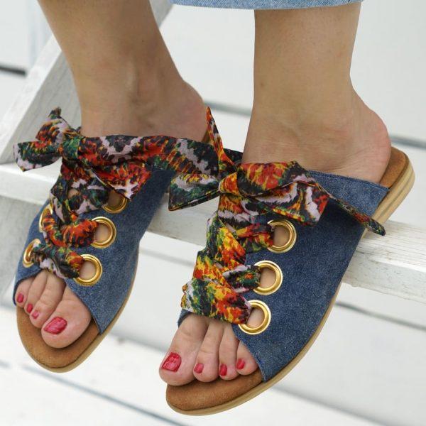 Modré kožené sandále so stužkou na šnurovanie