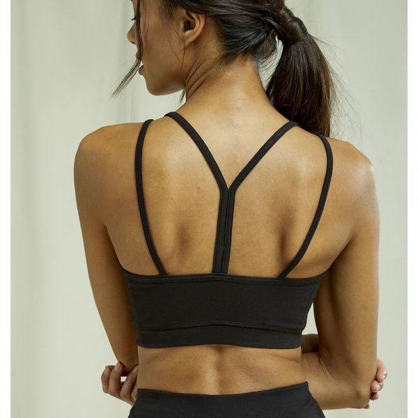 Čierna joga podrpsenka s prekríženými ramienkami na chrbte z organickej bavlny zozadu