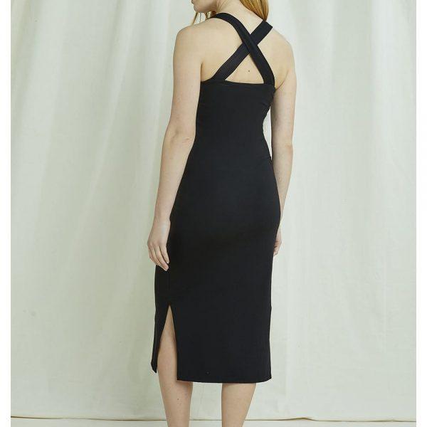Čierne šaty s prekríženými ramienkami na chrbte z certifikovanej GOTS bavlny