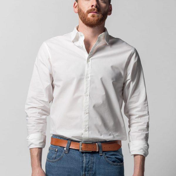 Klasická biela košela pre mužov s dlhými rukávmi na gombíky a kentovým golierom