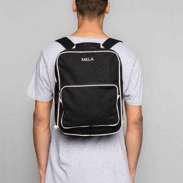 Univerzálny čierny ruksak pre mužov s priehradkou na notebook