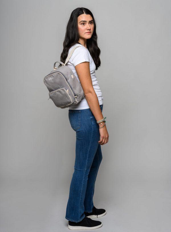 Dámsky mini ruksak na cesty od udržateľnej značky Melawear
