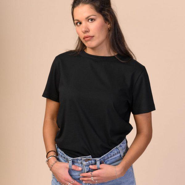 Čierne basic tričko z organickej bavlny objednáte online na SLOVFLOW