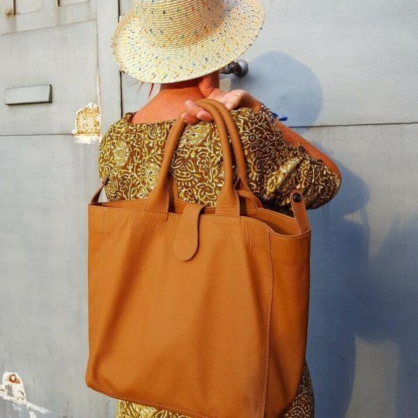 Hnedá kožená kabelka z luxusnej kože pre Mercedes