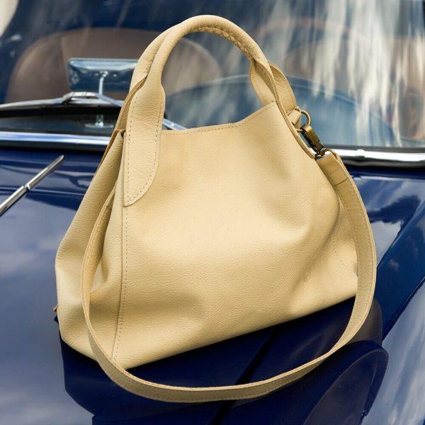 Béžová kabelka na rameno z hovädzej kože od SussesBag